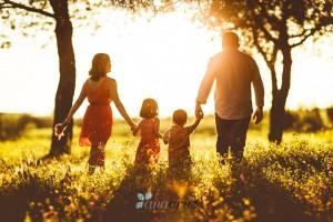 Familia en el campo. Fotografía: Ana Cruz.